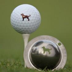 Tin Cup - Dulin the Dog - Der Tin Cup ist eine Ball Schablone aus Edelstahl mit dem Design eines Hundes. Mit einem feinen und wasserfesten Stift laesst sich dann das Design auf den Golf Ball malen