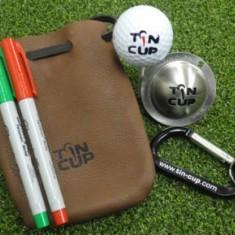 Tin Cup - Geschenk Paket 1 x Lederbeutel 1 x Tin Cup nach Wunschdesign 1 x Karabiner in Schwarz 2 x Tin Cup Stifte - Der Tin Cup ist eine Ball Schablone mit unterschiedlichen Designs