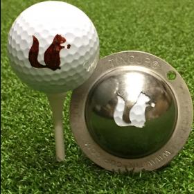 NEU Tin Cup - Go Nuts - Dieser Tin Cup ist eine Ball Schablone aus Edelstahl mit dem Design eines Eichhoernchens. Mit einem feinen und wasserfesten Stift laesst sich dann das Design auf den Golf Ball malen.