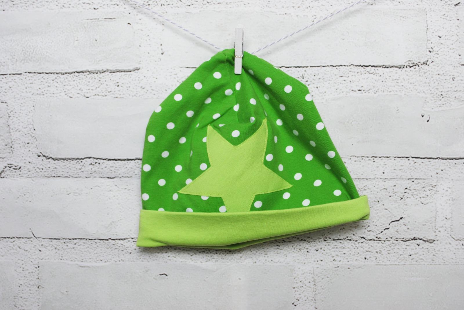 Mütze Beanie grün mit Stern 50/52