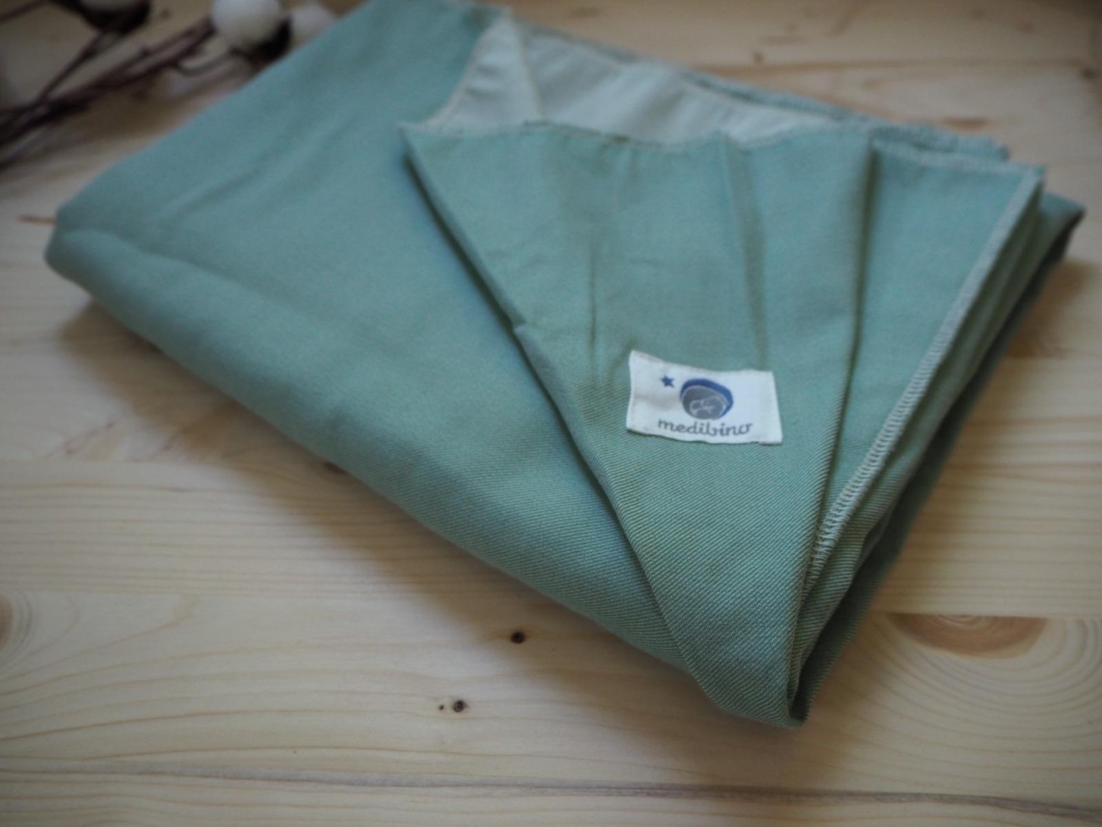 Babydecke Wellness Fleece grau grafisch handgenäht