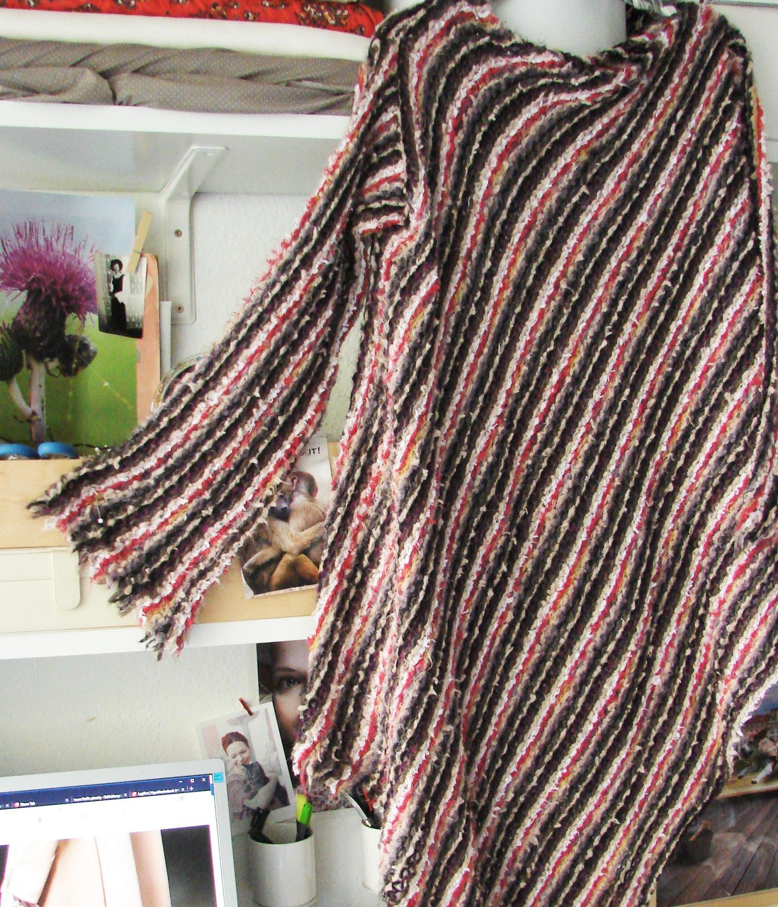 Lange Strickpullover mit Kimono ärmel 9