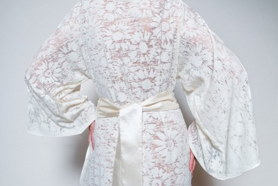 Brautkleid Sommerkleid aus spitze mit Perlengürtel