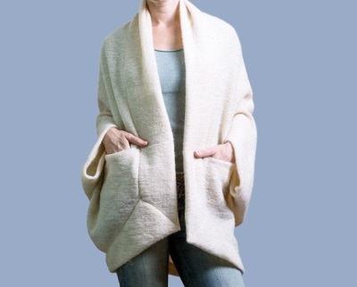 Moderne Strickjacke Origami ROTETULPE Wolle Weiß