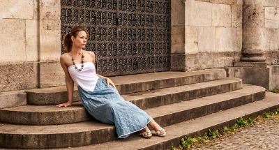 Blaue Sommerkleid aus Seide Maxikleid Schulterfreie