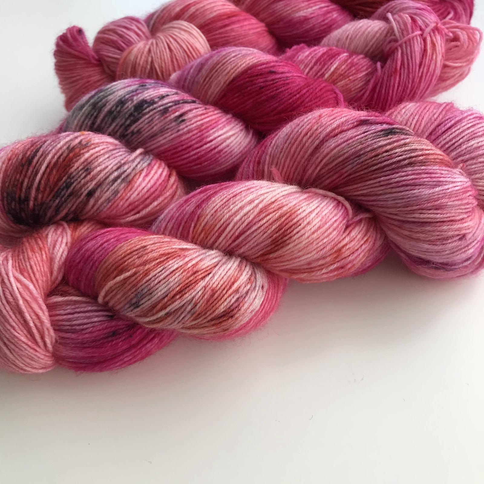 FLAMINGO LOVE - handgefärbte Sockenwolle