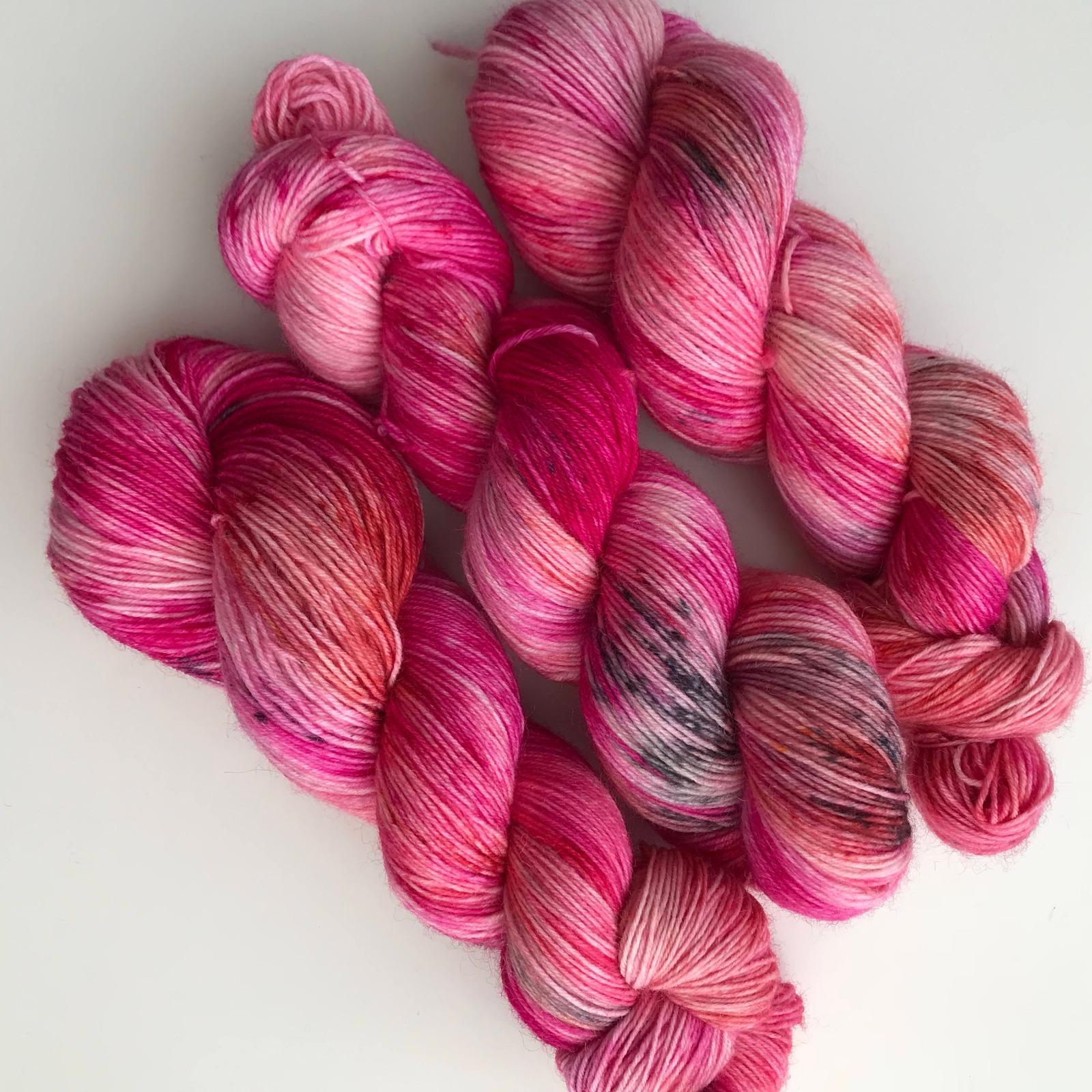 FLAMINGO LOVE - handgefärbte Sockenwolle 3