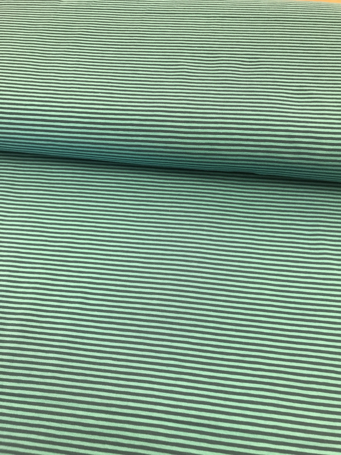 Baumwoll-Jersey Ringel grün-hellgrün 2