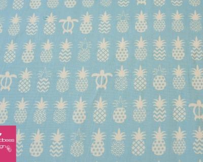 Pineapples und turtles Hellblau von COSMO