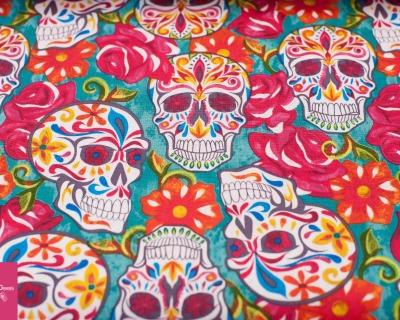 SKULLS ROSES türkis by David Textiles