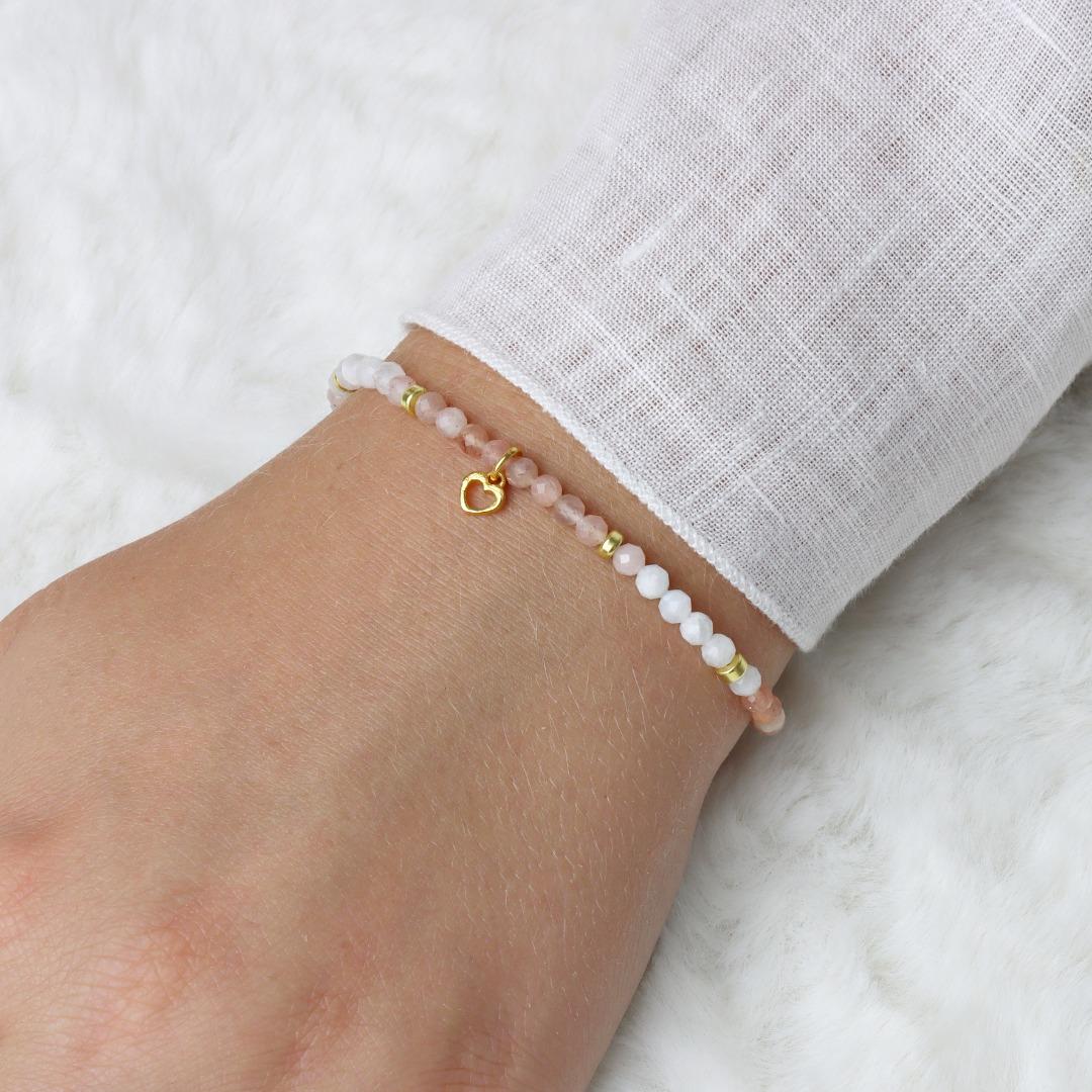 Filigranes Armband aus Mondstein mit kleinem