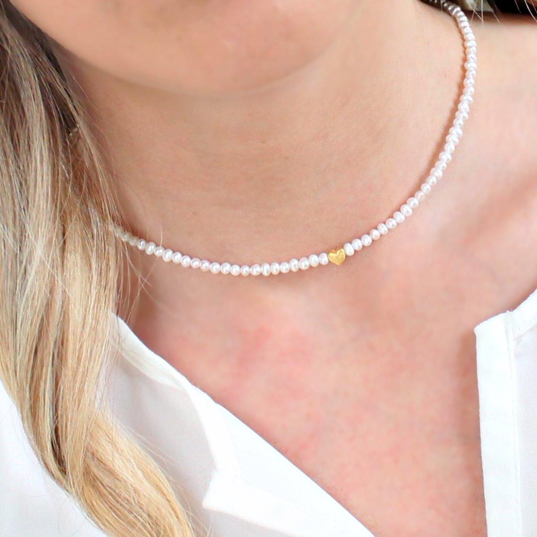 Zarte Perlenkette aus echten Süßwasser-Perlen mit