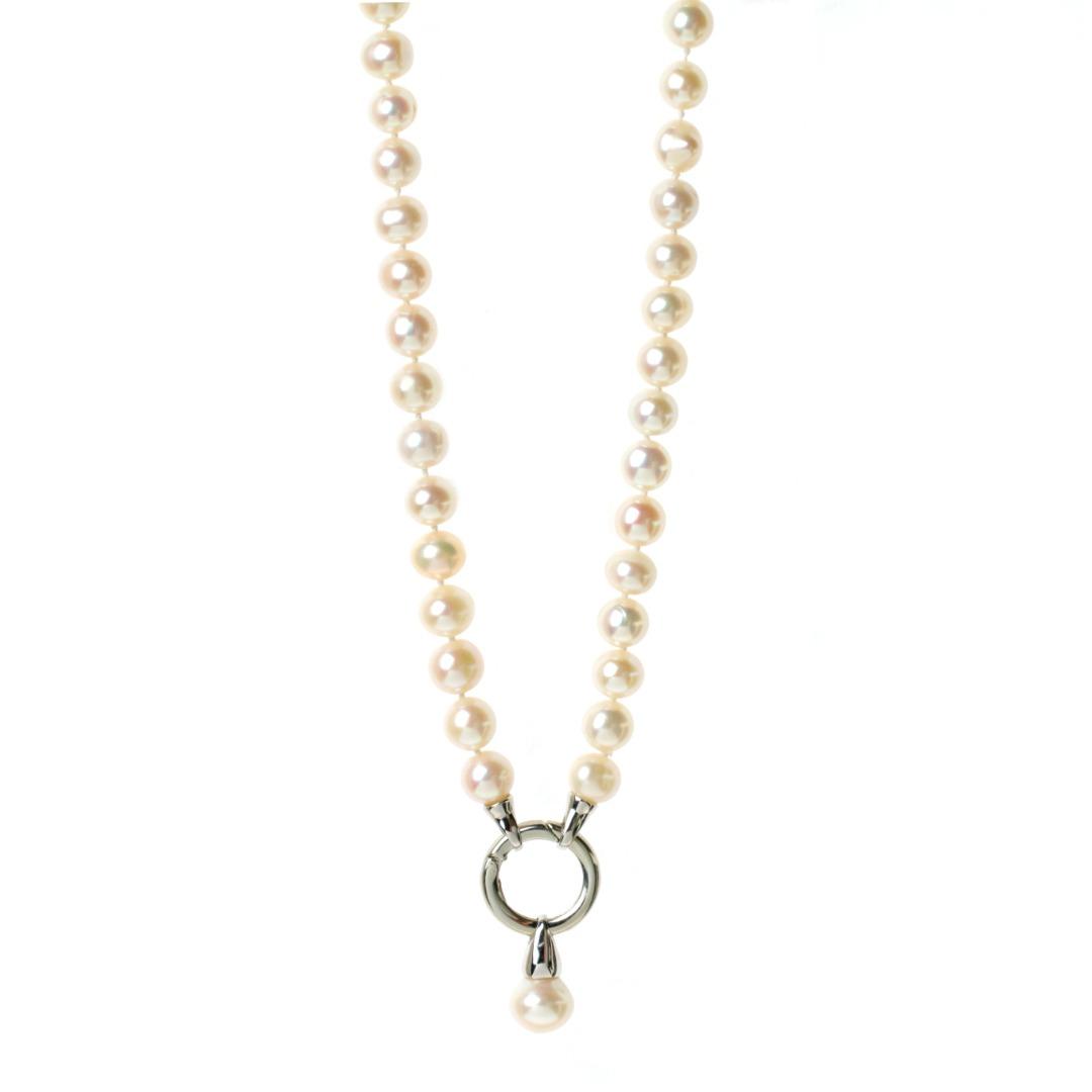 Weiße lange Perlenkette aus echten Süßwasser-Perlen