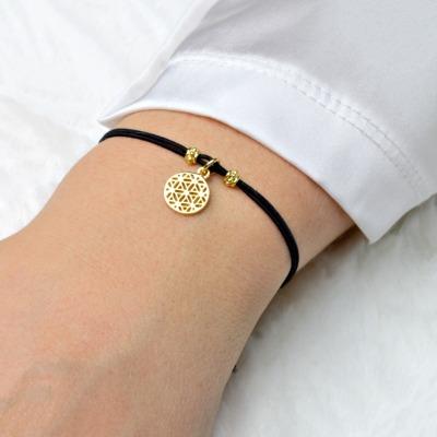 Filigranes Armband mit einer kleinen Lebensblume