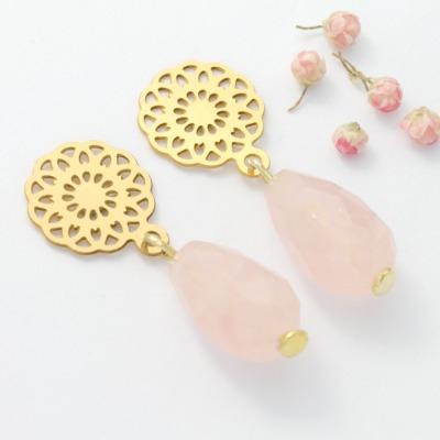 Ohrhänger Rosenquarz mit Blume gold Ohrstecker