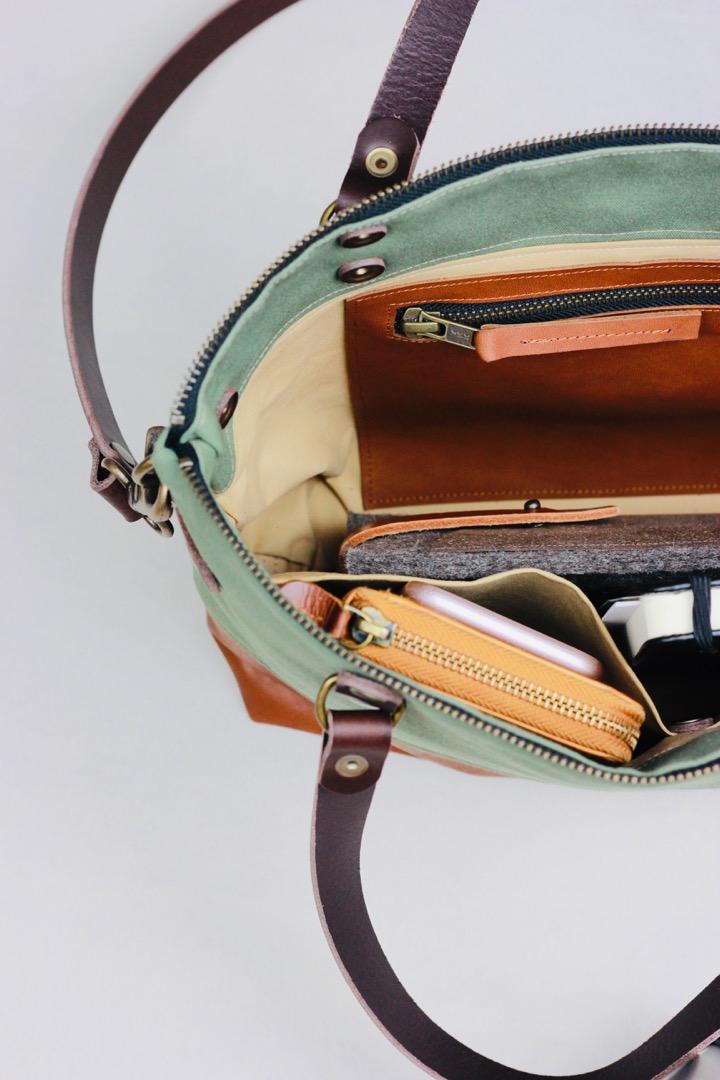SINA: Handtasche - Ozeanblau & Cognac