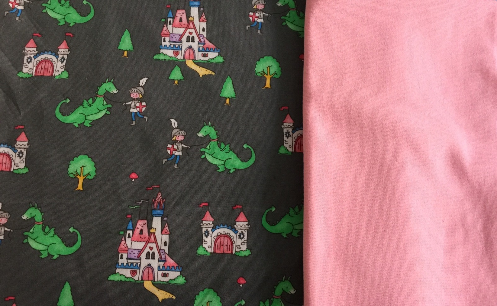 Märchenjersey mit Drachen mx plus rosa