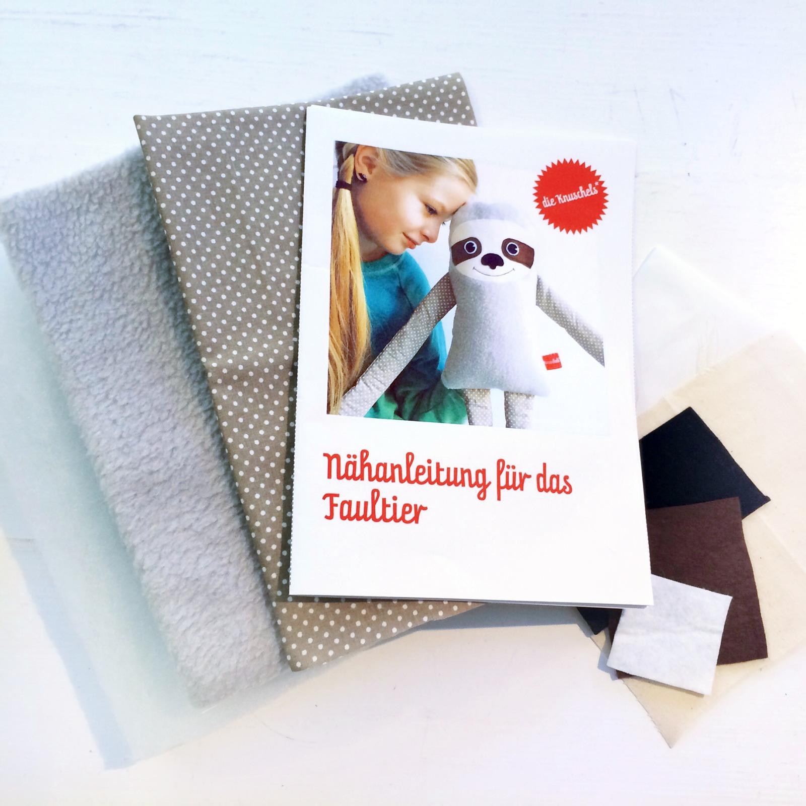 Faultiernaehpaket Anleitung Material Schnitt fuer das Faultier von Knuschels