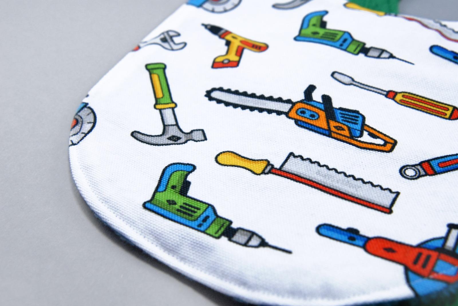 Laetzchen mit Werkzeugen