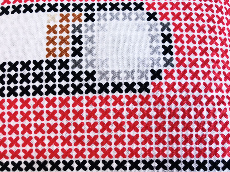 Kassetten Kissen rot Retro Kreuzstich 2