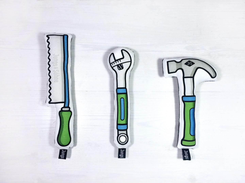 Werkzeug im 3er Set mit Rassel in gruen-blau