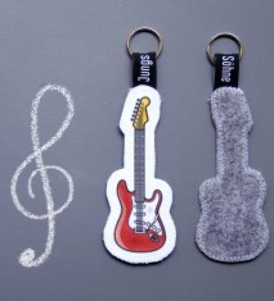 Anhaenger Gitarre rot