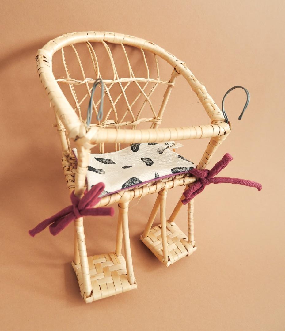 Puppenfahrradkorb aus Weide mit Sitzkissen 3