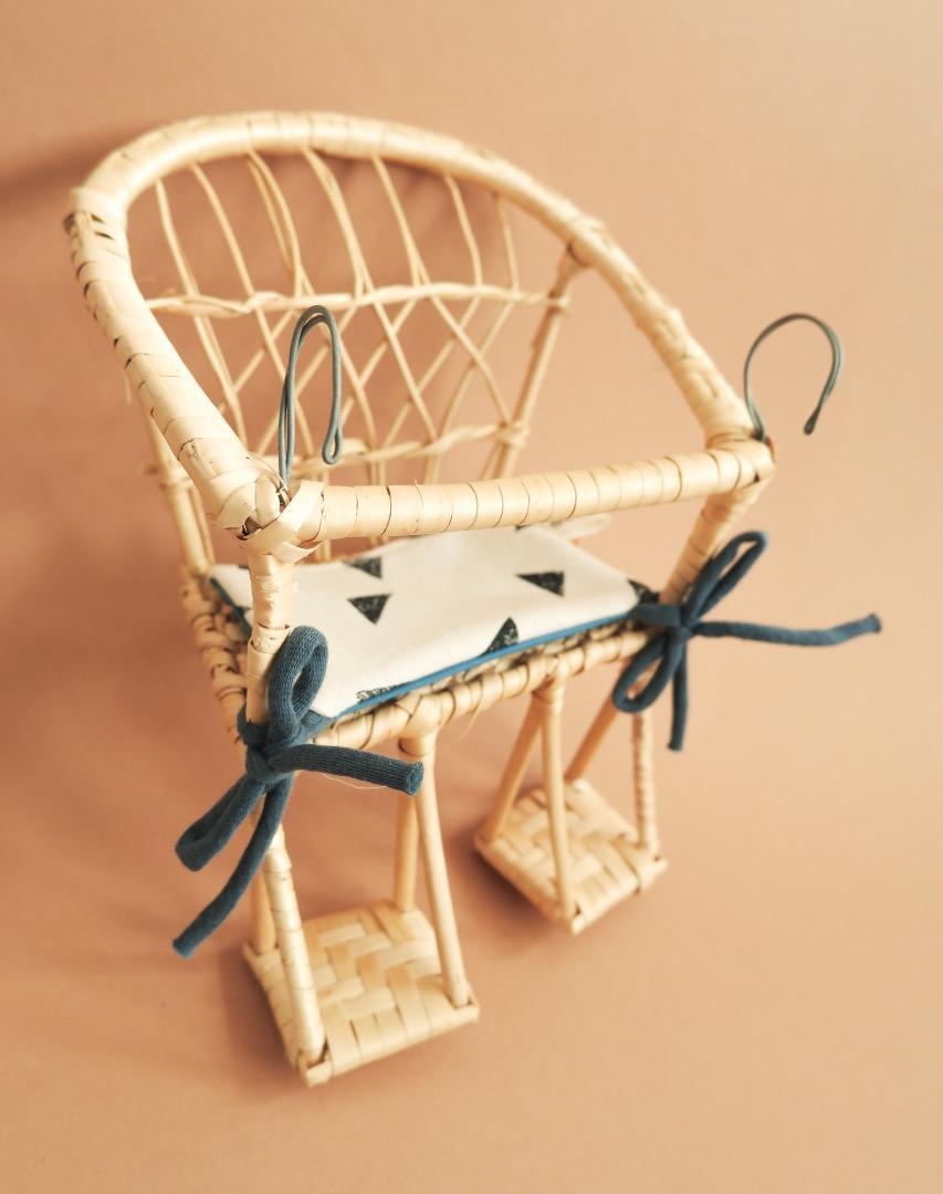 Puppenfahrradkorb aus Weide mit Sitzkissen 4