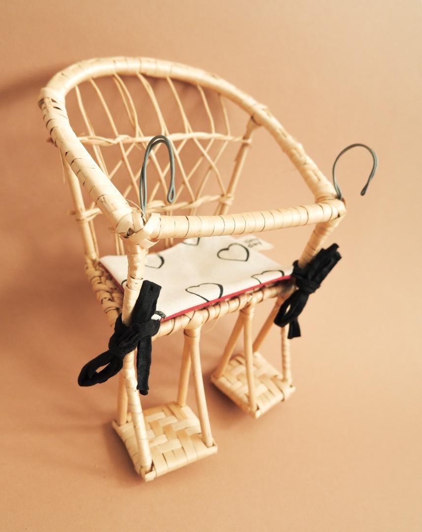 Puppenfahrradkorb aus Weide mit Sitzkissen 5