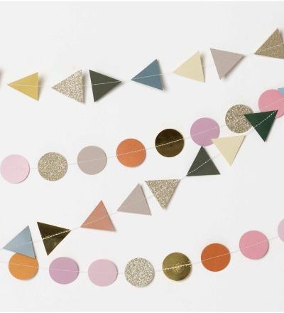 Genähte Girlande Dreiecke grün Mix 2m