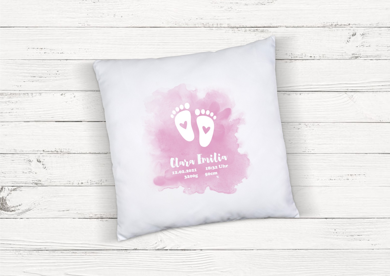 Kissen zur Geburt Babyfüße rosa personalisiert
