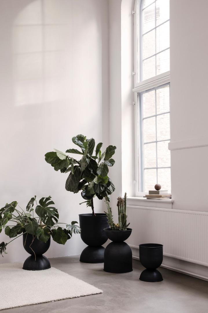 Hourglass Pot Large von ferm LIVING