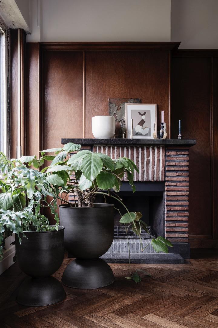 Ferm Living- Hourglass Pot - Large - 2