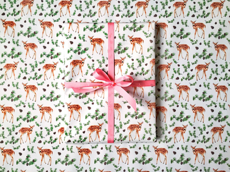 10 Bögen Geschenkpapier Rehlein 2