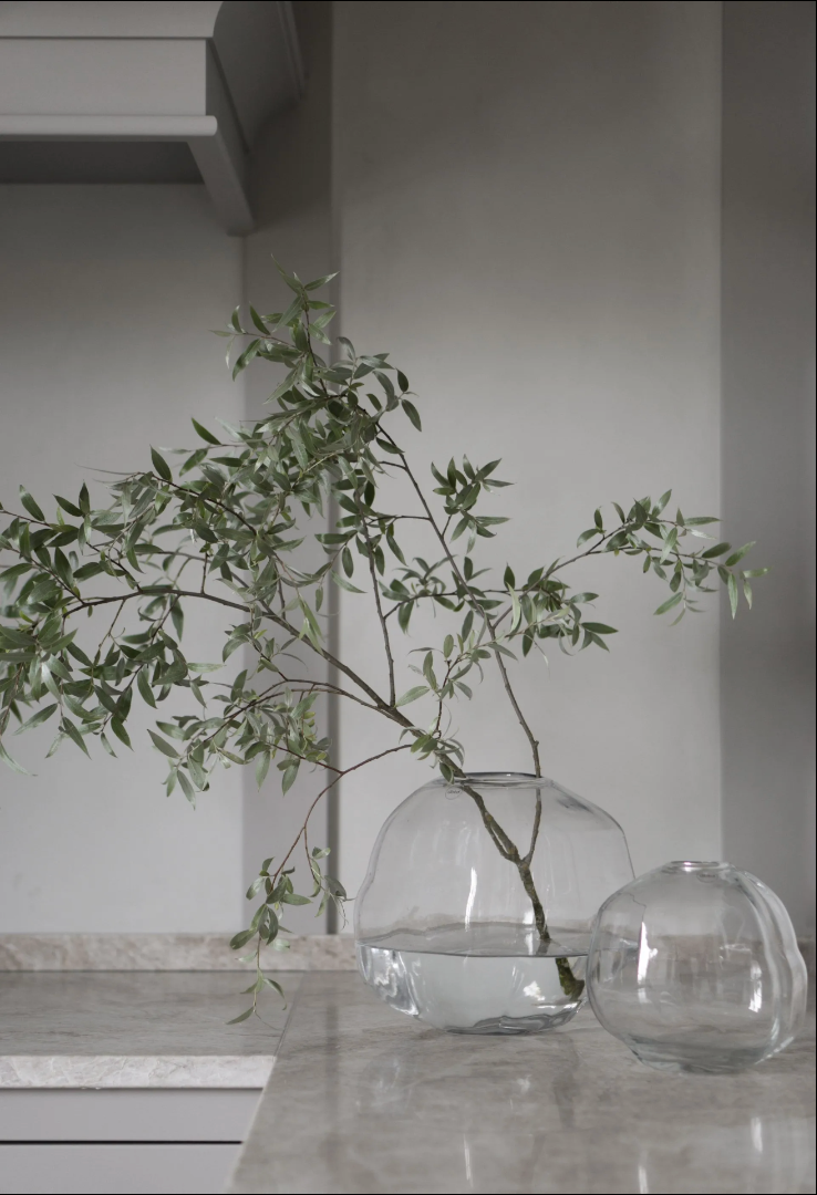 Pebble Vase 2