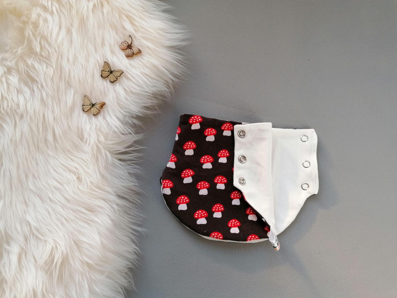 Baby Kind Zipfelmütze Bindemütze und Halssocke