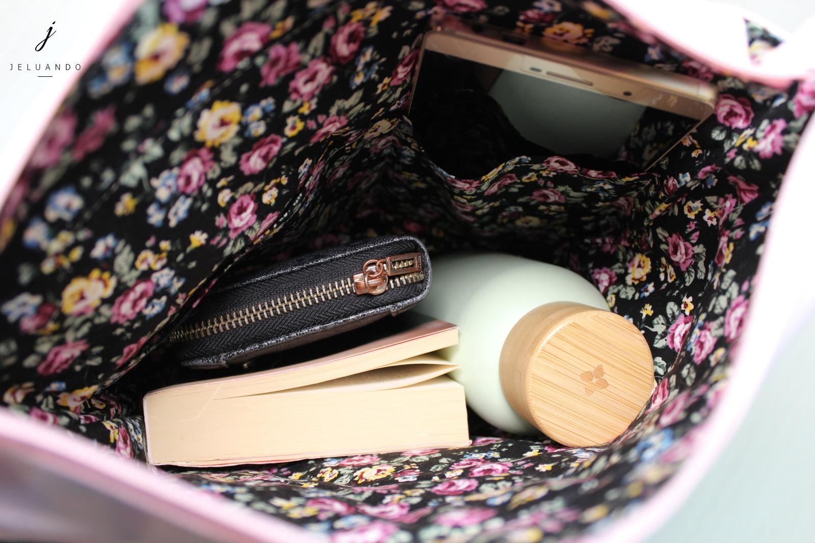 vegane Handtasche mit Stickmuster Feder 6