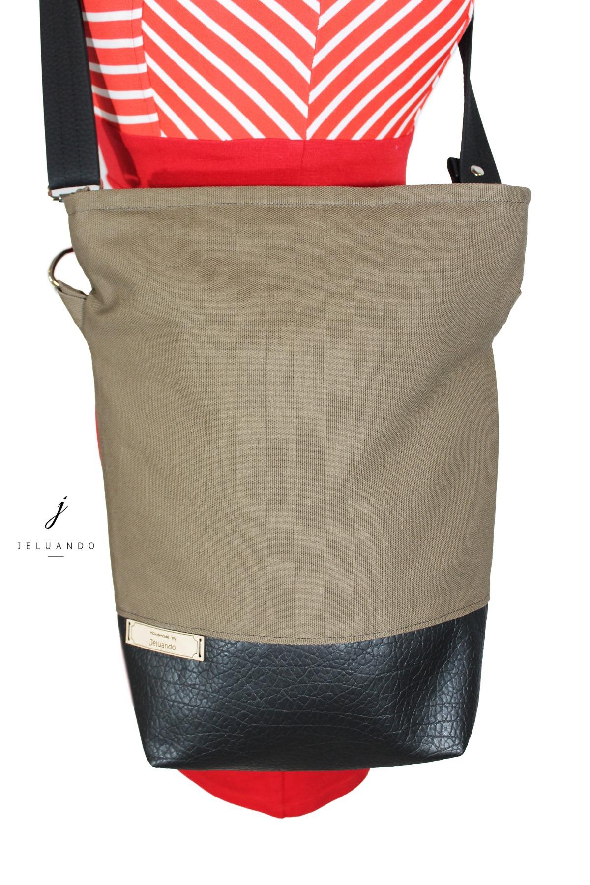 schlichte vegane Handtasche in Taupe