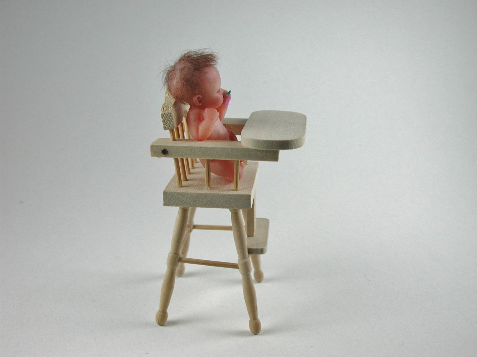 Hochstuhl für Babys 1:12 Miniatur 4