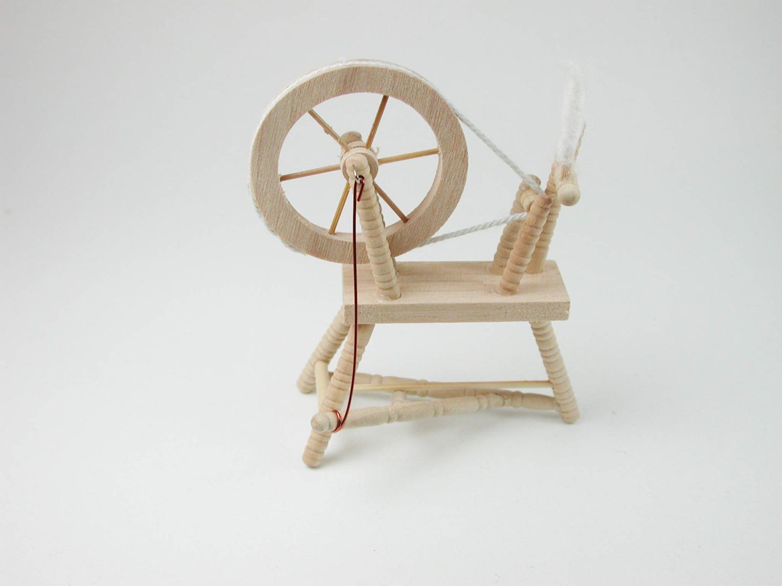 Spinnradl für die Puppenstube 2