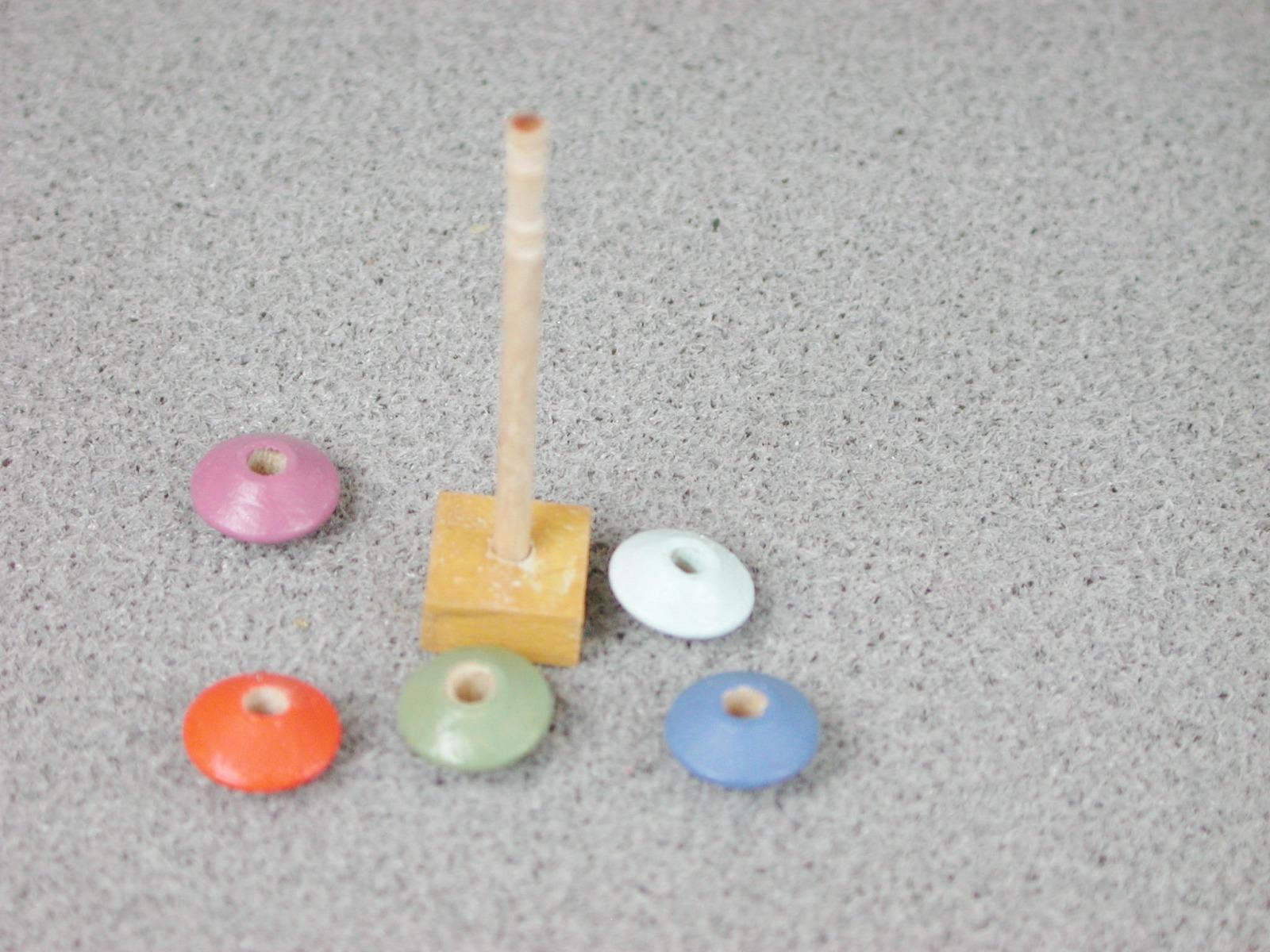 Steckspiel Turm in Miniatur