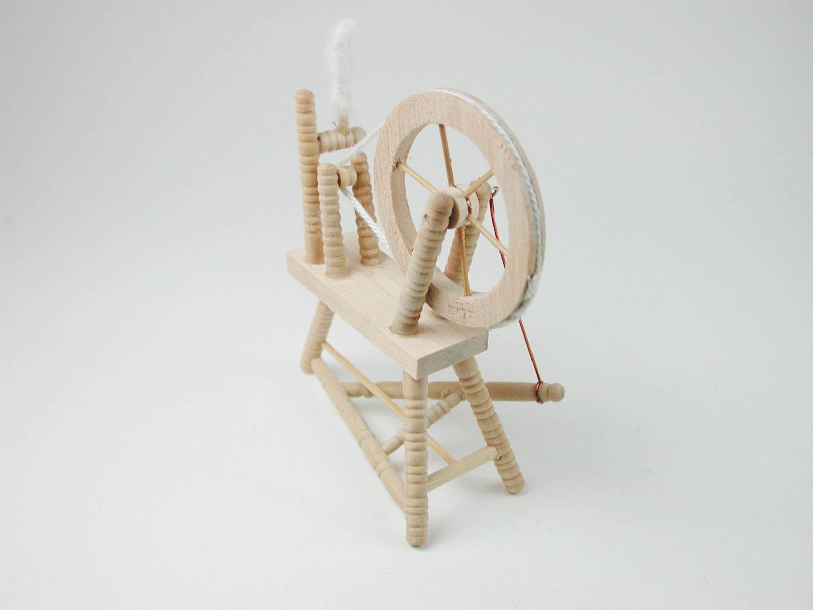 Spinnradl für die Puppenstube 5
