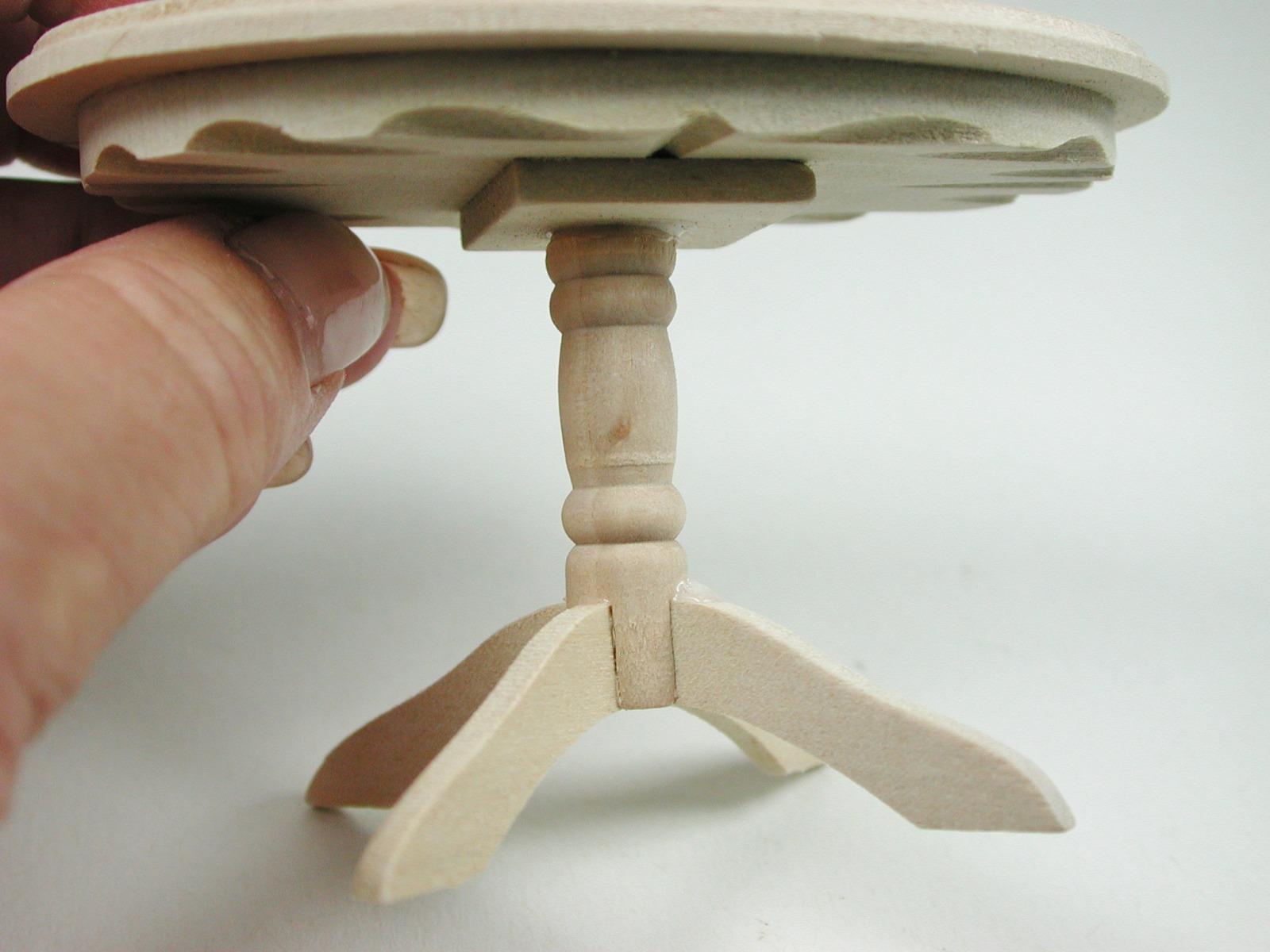 Tisch Oval für die Puppenstube das