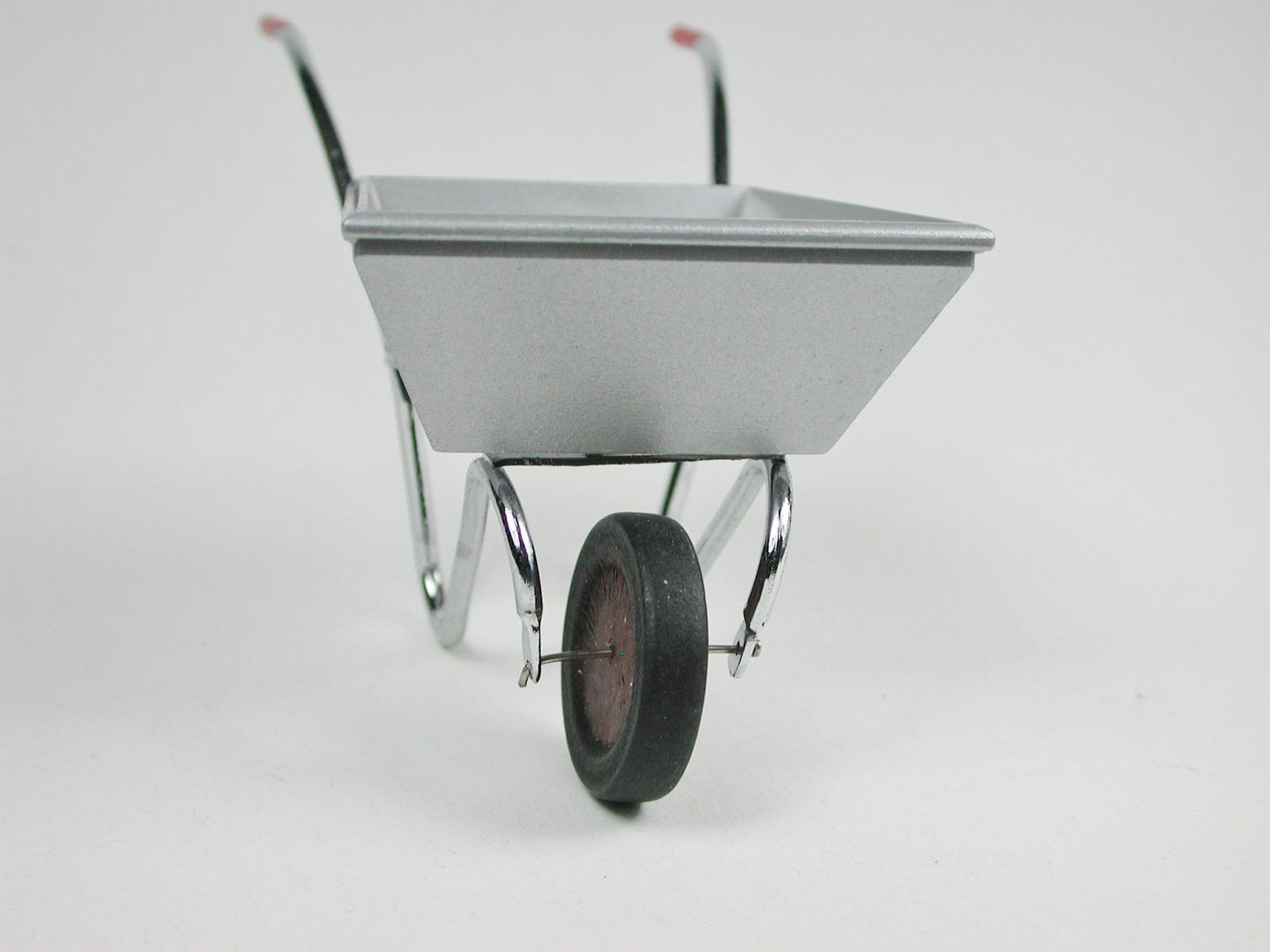 Schubkarre aus Metall 3