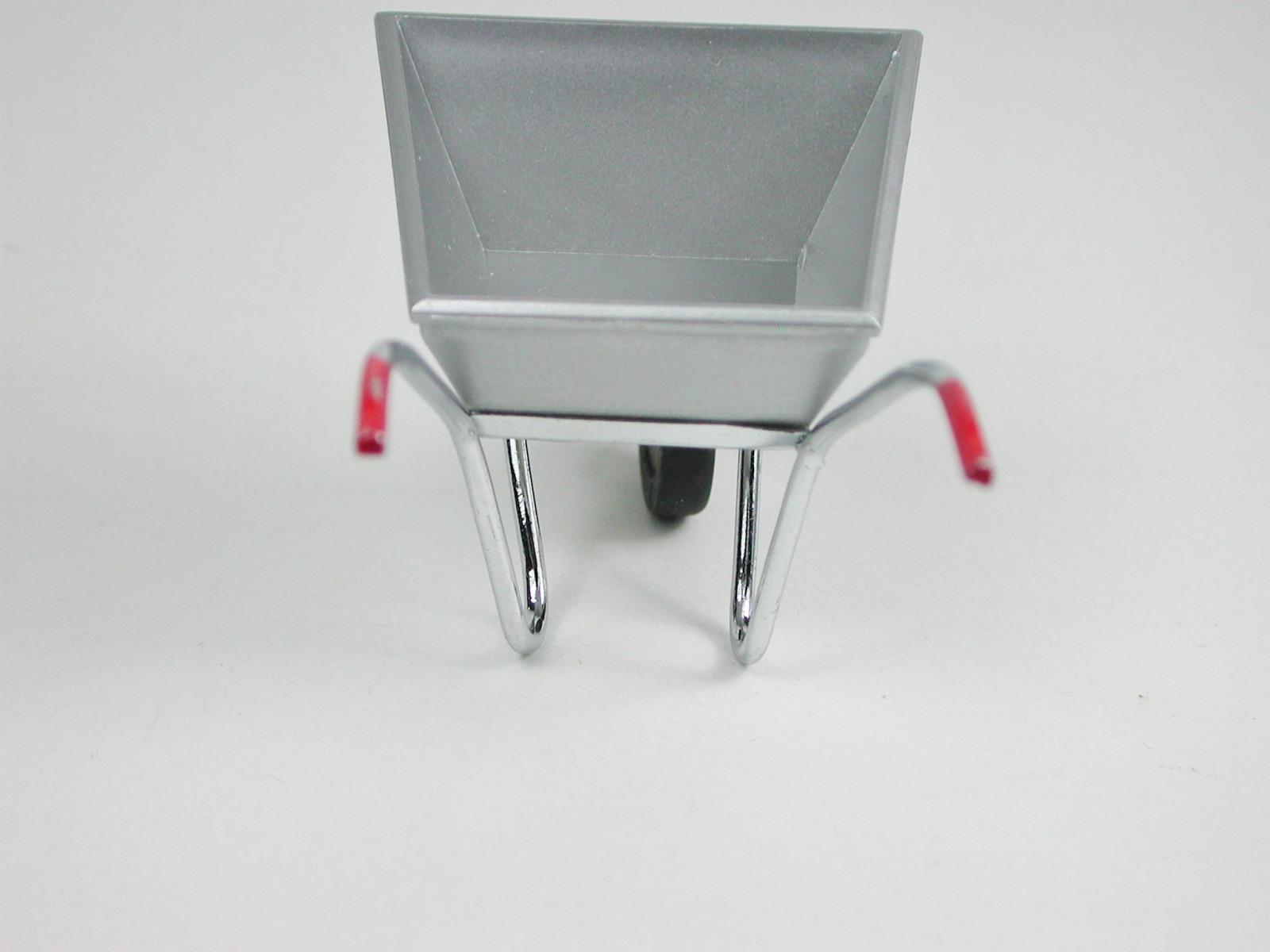 Schubkarre aus Metall 5