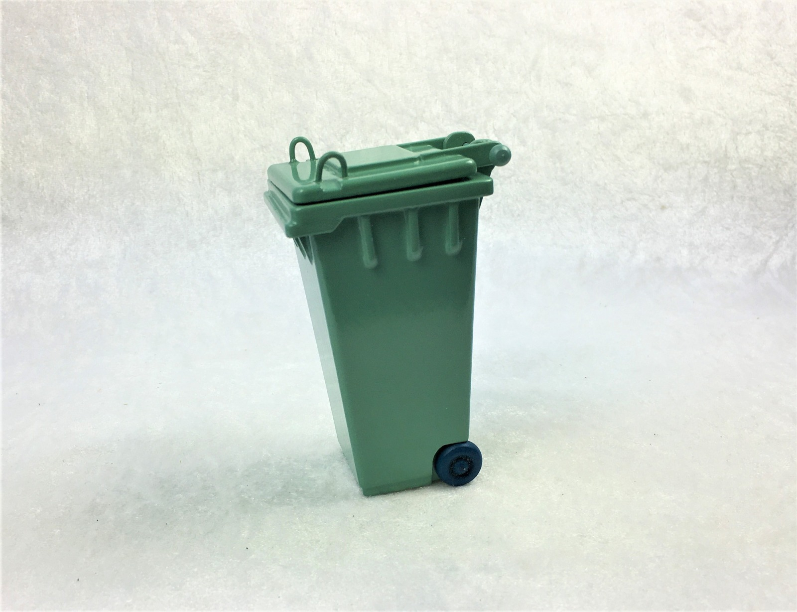 Grüne Abfalltonne Mülltonne Biomülltonne 7