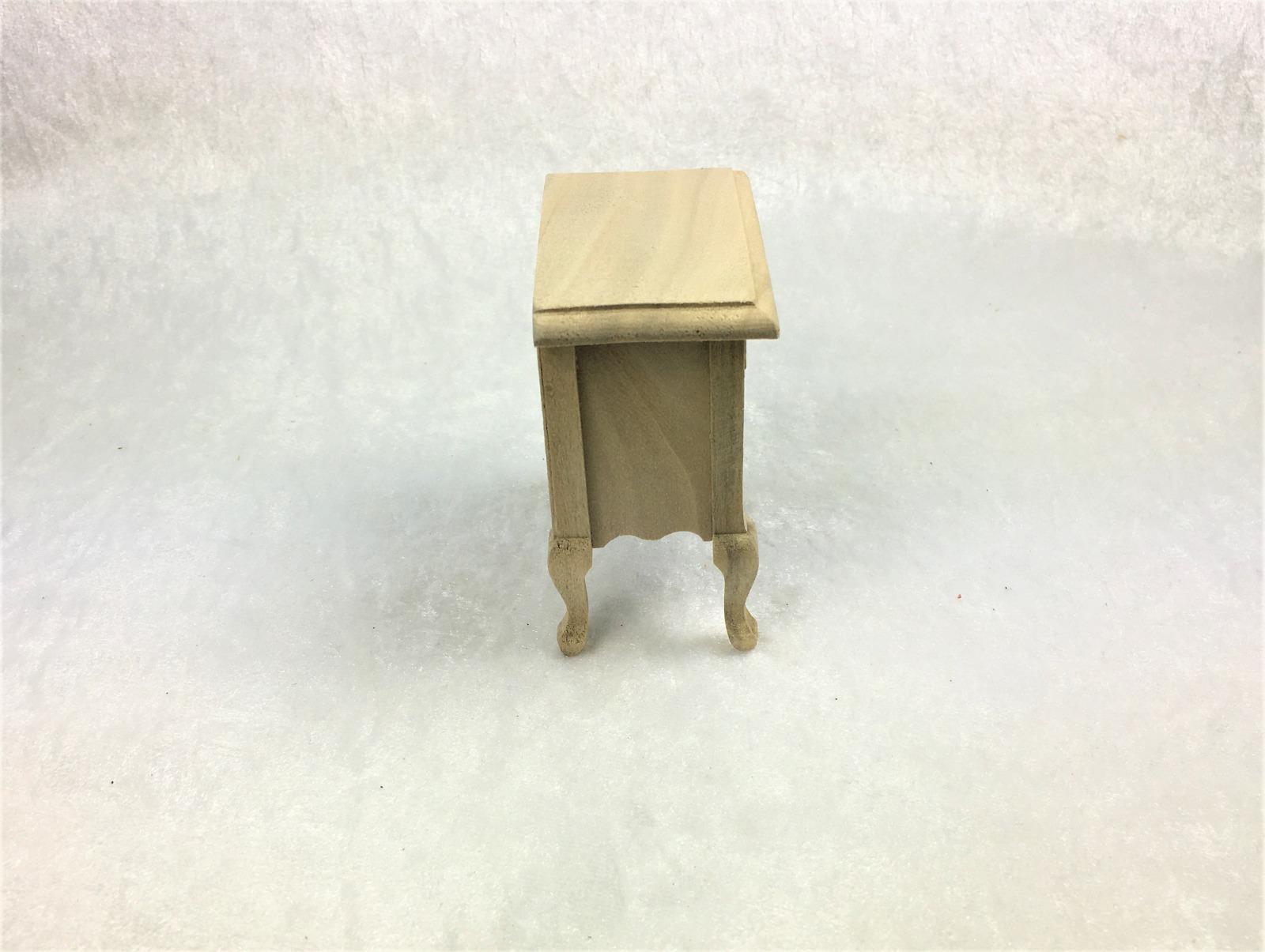 Kleine Kommode Nachttisch für die Puppenstube