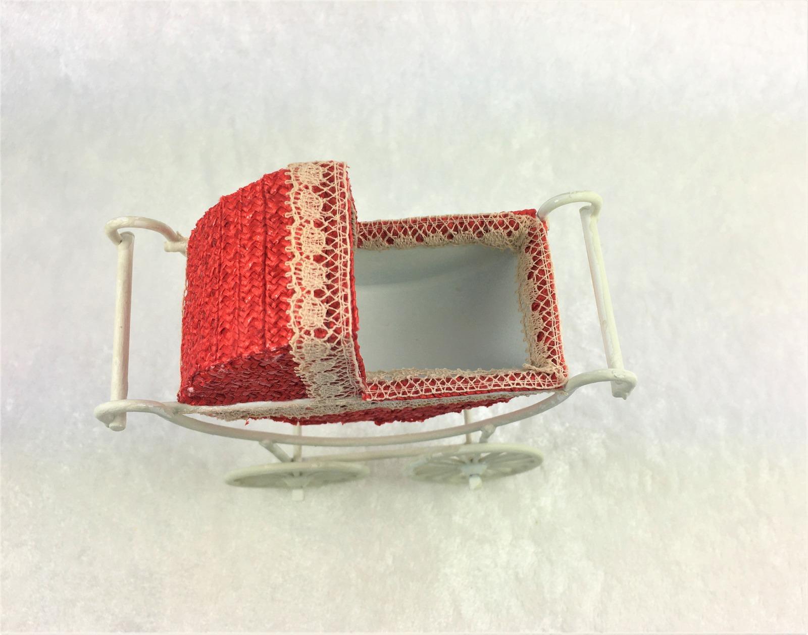 Kinderwagen Rot im Vintage Stile in