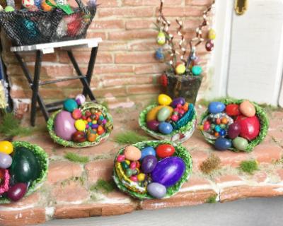 Eier im Ei zur Osterdekoration Dollhouse
