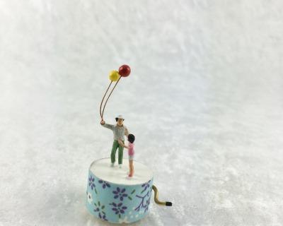 Spieluhr Motiv Luftballon Spieldose in Miniatur